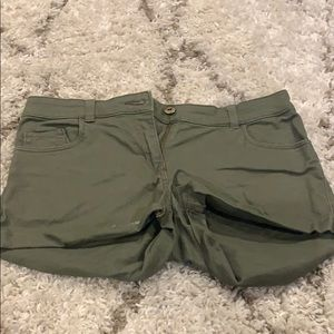 H and M green stretch shorts 4